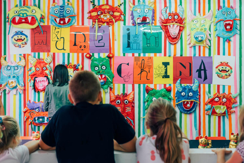 Geliefde Virginie geeft kunstles aan kinderen - Kunst In Huis kunstuitleen #BP31